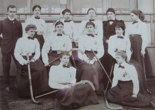 The England Women's team from 1899